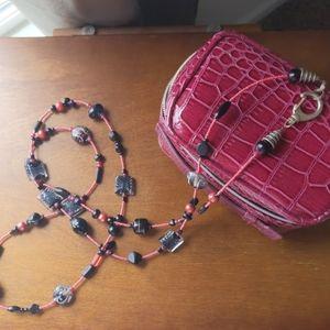 Jewelry - Handmade glass beaded necklace